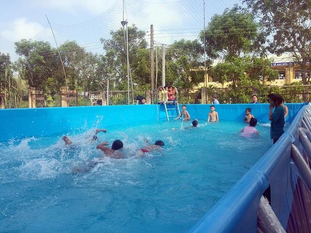 Trao tặng 5 bể bơi di động miễn phí của nhà sản xuất Hoàng Hải - 4