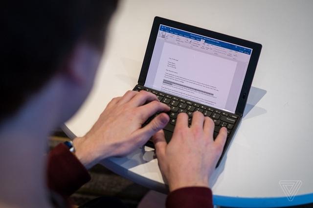 CES 2020: Dell, Lenovo, Intel đua nhau ra mắt laptop màn hình gập - 3