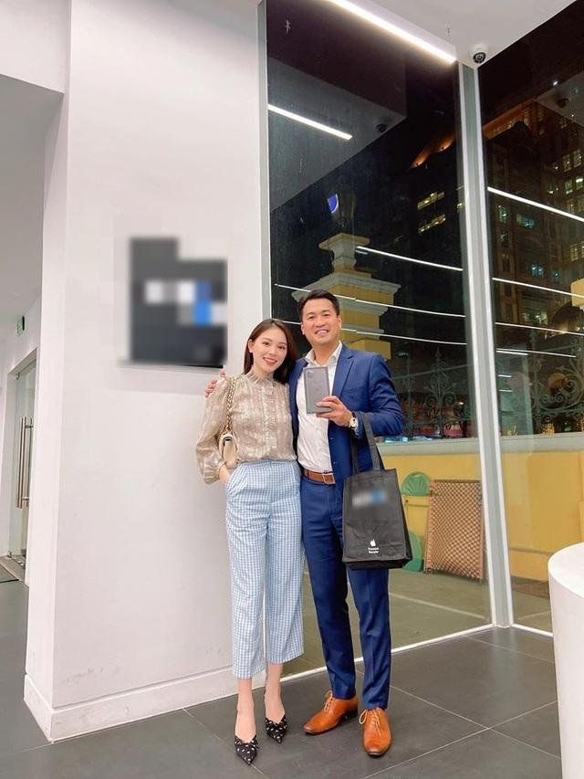 """Linh Rin nói về bạn trai thiếu gia Phillip Nguyễn: """"Không biết anh thiếu cái gì để tặng"""" - 1"""