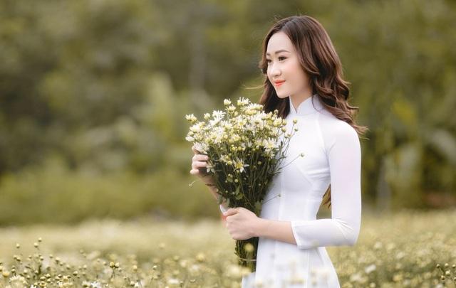 Anika Trinh Trinh đăng quang Hoa khôi Gương mặt Thời trang Mùa Xuân - 2