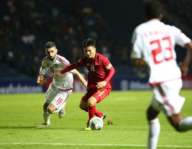 """Quang Hải tả xung hữu đột khiến hàng thủ U23 UAE """"chóng mặt"""" - 3"""