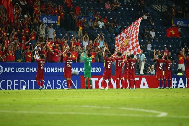 """AFC """"doạ"""" cấm cổ động viên Việt Nam vì vi phạm điều lệ - 1"""