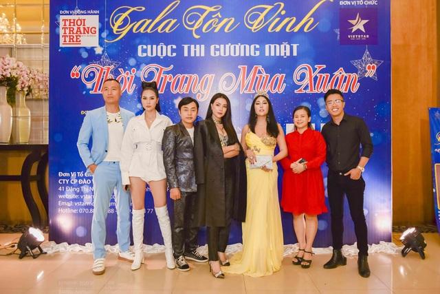 Anika Trinh Trinh đăng quang Hoa khôi Gương mặt Thời trang Mùa Xuân - 1