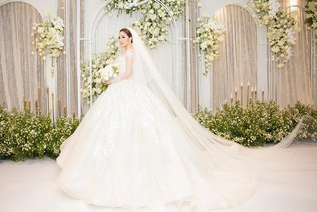 Top 3 đám cưới hào nhoáng nhất showbiz Việt năm 2019 - 14