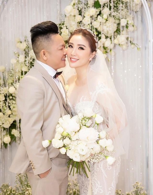 Top 3 đám cưới hào nhoáng nhất showbiz Việt năm 2019 - 11