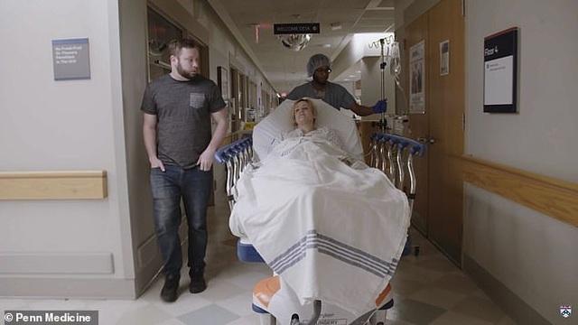Em bé thứ 2 chào đời từ tử cung hiến tặng tại Mỹ - 2