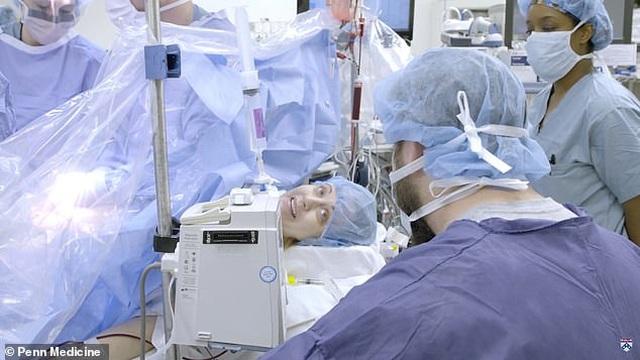 Em bé thứ 2 chào đời từ tử cung hiến tặng tại Mỹ - 3