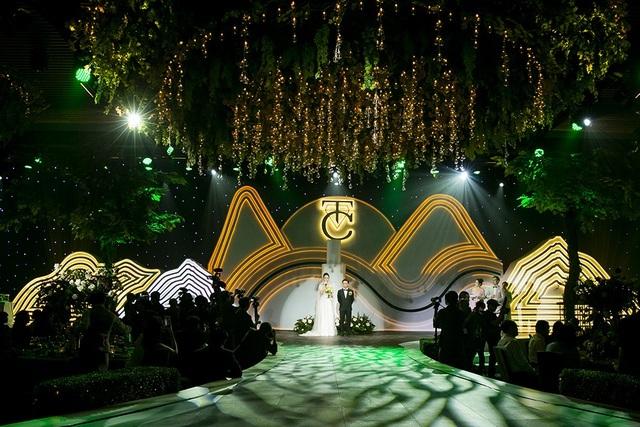 Top 3 đám cưới hào nhoáng nhất showbiz Việt năm 2019 - 3
