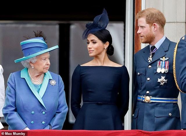 Vợ chồng Hoàng tử Harry mất gì khi rời Hoàng gia Anh? - 1