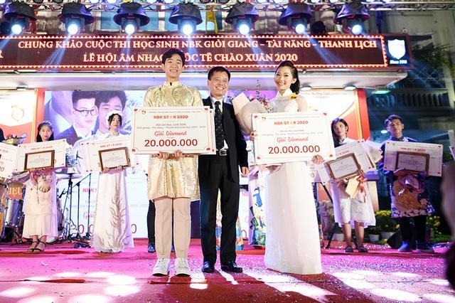 Lộ diện Nam vương và Hoa khôi học sinh trường THPT Nguyễn Bỉnh Khiêm - 1