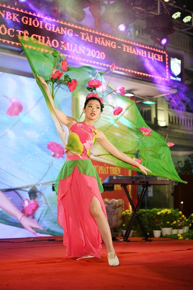 Lộ diện Nam vương và Hoa khôi học sinh trường THPT Nguyễn Bỉnh Khiêm - 4