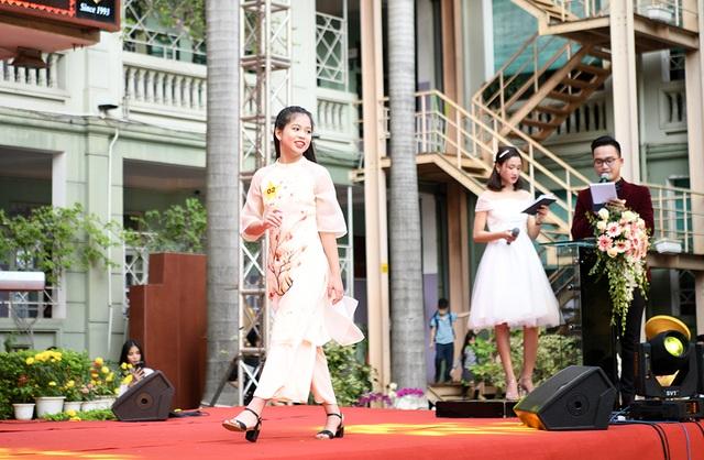 Lộ diện Nam vương và Hoa khôi học sinh trường THPT Nguyễn Bỉnh Khiêm - 9
