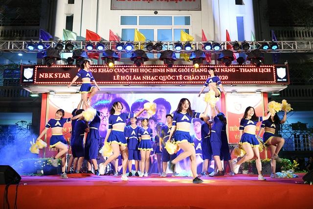 Lộ diện Nam vương và Hoa khôi học sinh trường THPT Nguyễn Bỉnh Khiêm - 11