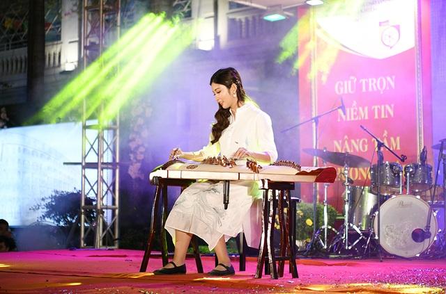 Lộ diện Nam vương và Hoa khôi học sinh trường THPT Nguyễn Bỉnh Khiêm - 7
