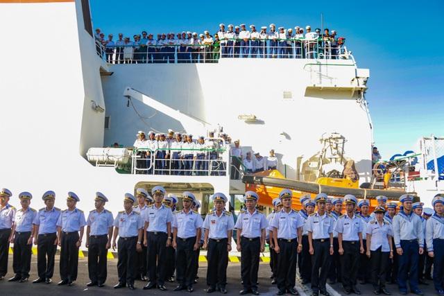 Xúc động lễ tiễn quân ra quần đảo Trường Sa làm nhiệm vụ - 1