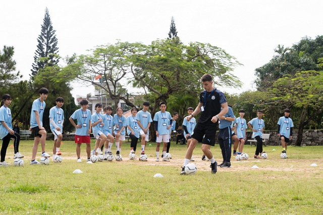 """Manchester City và SHB """"chắp cánh ước mơ"""" cho nhà lãnh đạo trẻ Việt Nam - 3"""