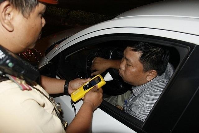 Uống bia chay rồi lái xe có bị xử phạt hay không?            - 1