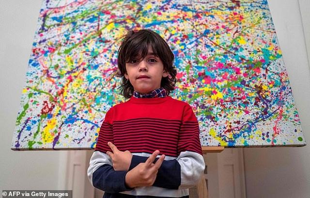 Thần đồng hội họa 7 tuổi bán tranh giá hàng trăm triệu đồng - 3