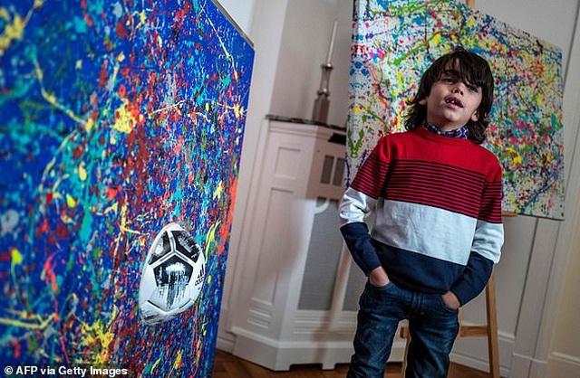 Thần đồng hội họa 7 tuổi bán tranh giá hàng trăm triệu đồng - 6