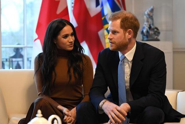 Hứng chỉ trích vì miễn phí cà phê trọn đời cho vợ chồng Hoàng tử Harry - 1