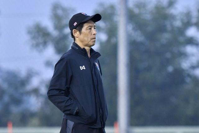 HLV Nishino chưa thể nâng tầm các đội bóng Đông Nam Á như thầy Park - 1