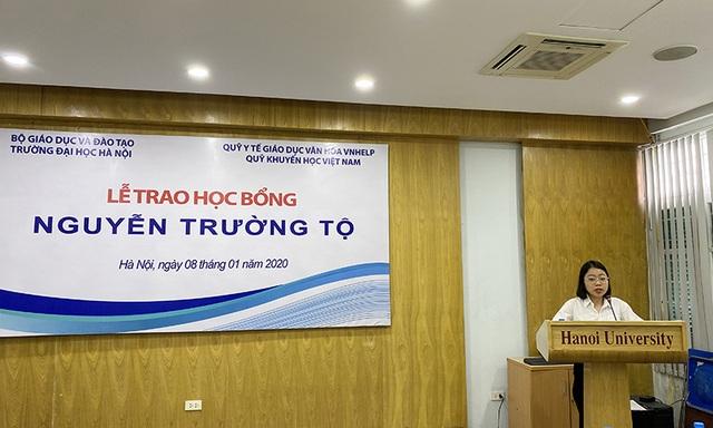 30 sinh viên nghèo vượt khó nhận học bổng Nguyễn Trường Tộ - 5