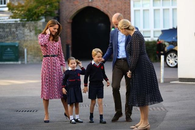 Bữa trưa sang chảnh tại trường học của công chúa và hoàng tử nhỏ nước Anh - 2