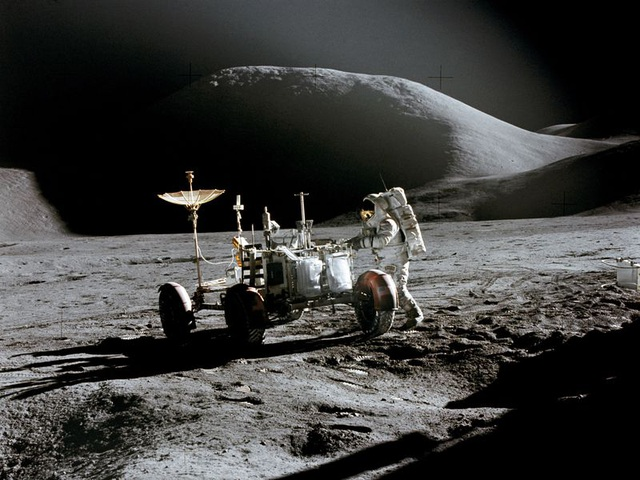 Những hình ảnh đáng kinh ngạc về mảng tối hiếm thấy của Mặt trăng - 2