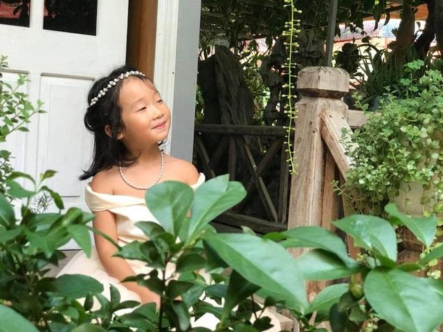 Cặp vợ chồng ở Hà Giang tự xây ngôi nhà hoa hồng đẹp như mơ giữa phố núi - 13