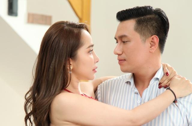 """Đóng cảnh """"nóng"""" bạo liệt nhưng Việt Anh thừa nhận: """"Chưa hôn ai khó như Quỳnh Nga"""" - 4"""