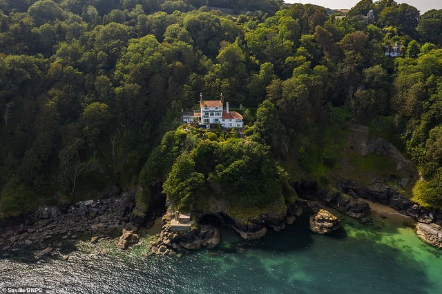 Ngôi nhà clifftop tuyệt đẹp tự chênh vênh trên vách núi trị giá hơn 60 tỷ đồng - 2
