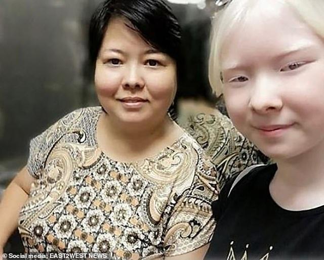 Sửng sốt trước diện mạo khác biệt của hai chị em người Kazakhstan - 2