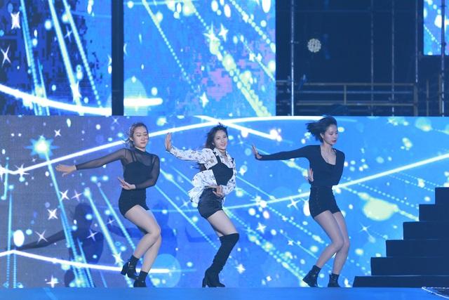 Ngắm lại màn trình diễn khiến fan phát cuồng của EXO-SC, Taemin - 5