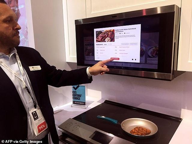 Xem robot trổ tài nấu ăn như người thật - 2