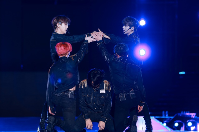Ngắm lại màn trình diễn khiến fan phát cuồng của EXO-SC, Taemin - 11