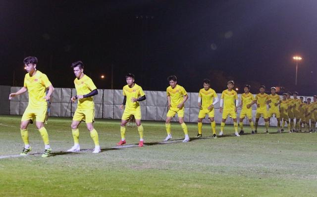 HLV Park Hang Seo gặp riêng Quang Hải trước trận gặp U23 Jordan - 8
