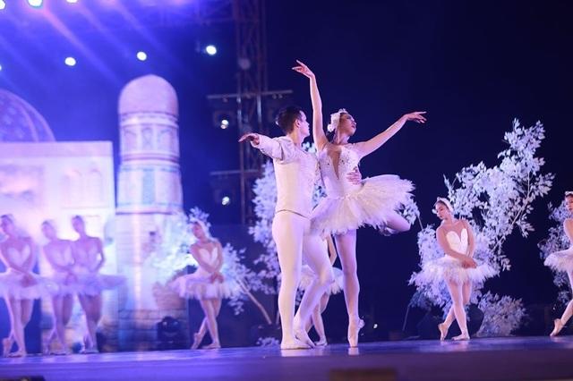 Vở múa kinh điển Hồ Thiên Nga tái xuất ấn tượng với khán giả Việt Nam giữa hồ Ecopark - 3