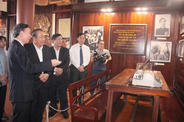 Phó Thủ tướng dâng hương tri ân các anh hùng, liệt sĩ tại thành cổ Quảng Trị - 3