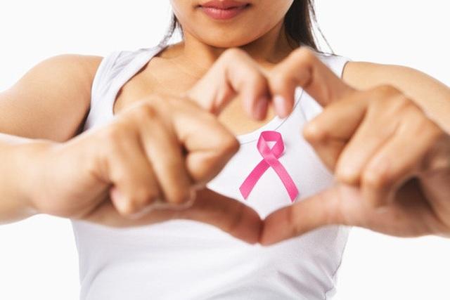 Những thủ phạm nguy hiểm gây ung thư vú ít ai ngờ - 1