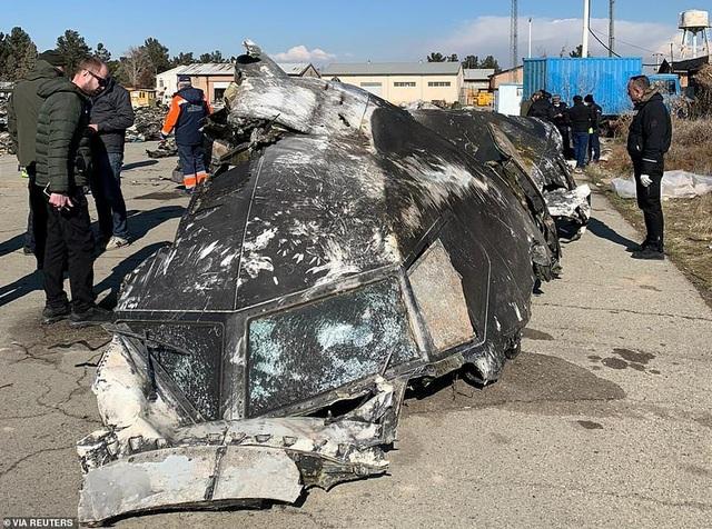 Người Iran biểu tình đòi lãnh đạo từ chức sau vụ bắn nhầm máy bay - 10