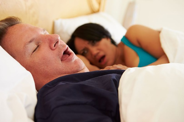 """Ngáy to có thể do lưỡi… quá """"béo"""" - 1"""