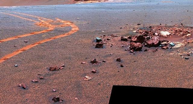 Sao Hỏa đang mất nước nhanh hơn dự tính của các nhà khoa học - 1