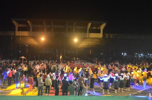 Ấntượng đêm hội sắc Xuân miền Tây xứ Nghệ năm 2020 - 9