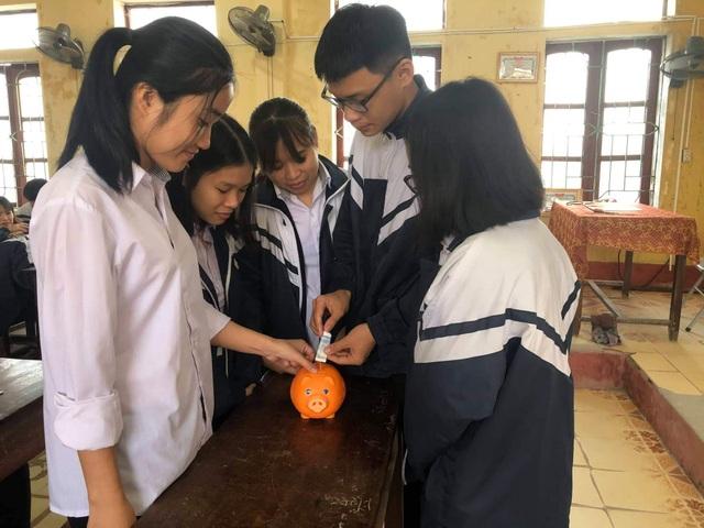 Thầy trò chung tay giúp học sinh nghèo đón Tết - 1