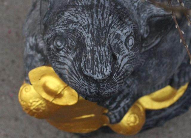 Độc đáo chuột vàng cõng hoa đào mừng xuân Canh Tý - 2
