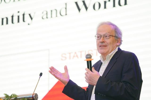 """Giáo sư hàng đầu về lý thuyết học máy """"thổi lửa"""" cho chuyên gia Việt về trí tuệ nhân tạo - 1"""