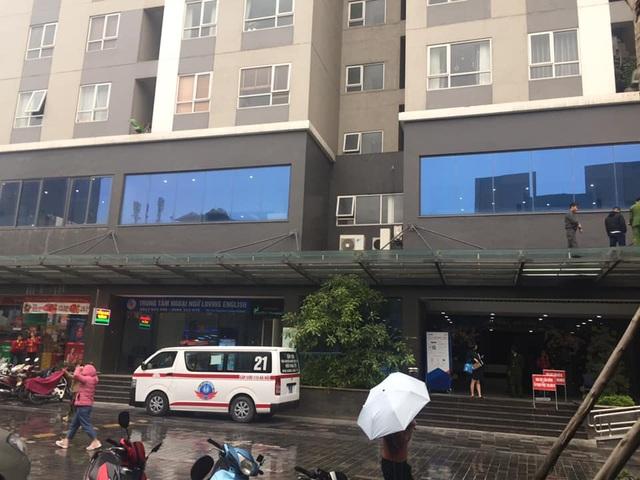 Hà Nội: Bé gái 4 tuổi rơi từ tầng 25 chung cư, tử vong thương tâm - 2
