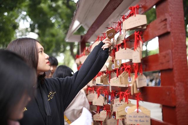Bạn trẻ Việt tập làm bánh mochi, diễn cosplay tại lễ hội Nhật Bản - 2
