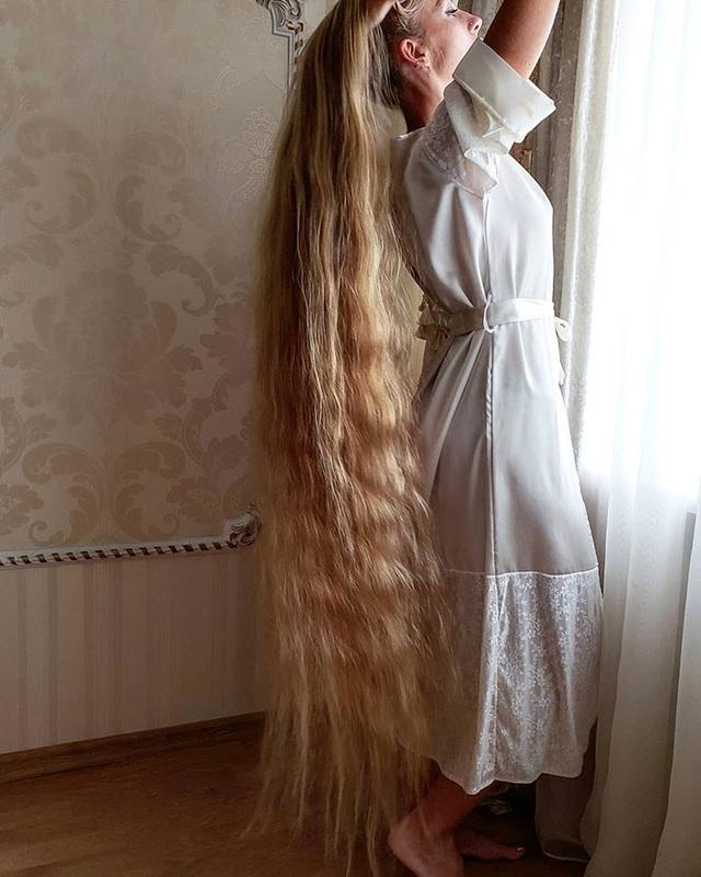 Bí quyết nuôi mái tóc dài suông mượt của cô gái xinh đẹp - 4