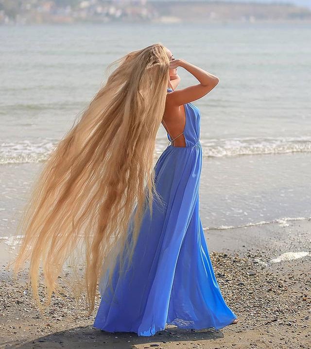 Bí quyết nuôi mái tóc dài suông mượt của cô gái xinh đẹp - 5
